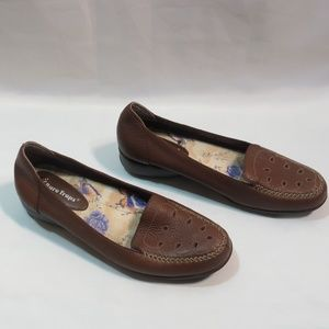 Bare Traps Patti Brown Die Cut Loafers Size 8 1/2M